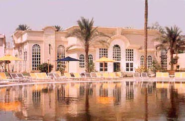 Day-use @ Cataract Pyramids Resort